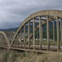 """Κρούουμε  τον κώδωνα του κινδύνου και στον νέο περιφερειάρχη, αλλά και στους δήμους Ναυπακτίας & Δωρίδας:   """"κύριοι, ξεκινήστε με τη γέφυρα του Μόρνου"""" !"""